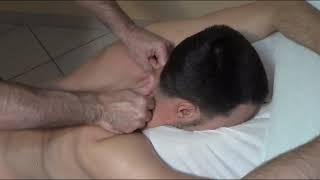 Массаж шеи, трапеции и тыльной части головы) Massage the neck, trapezoid and back of the head